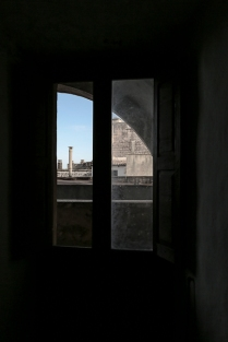 a window in the castello Risolo (Specchia)_#1