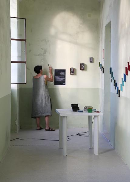 Brunella Tegas installing her work_#2