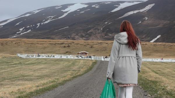 Sur les traces de Þordis, trois mouvements_Liz Lyton, deux prieres et un reve