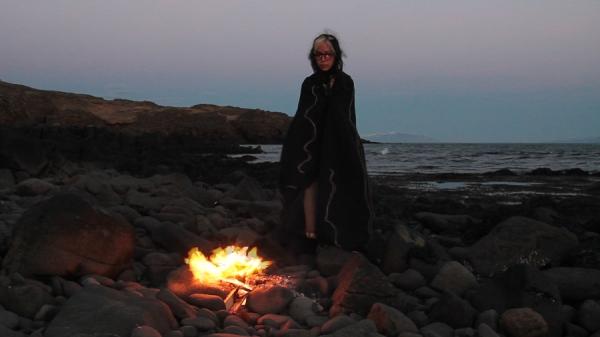 Sur les traces de Þordis, trois mouvements_Chris Castaneda, le rite du feu
